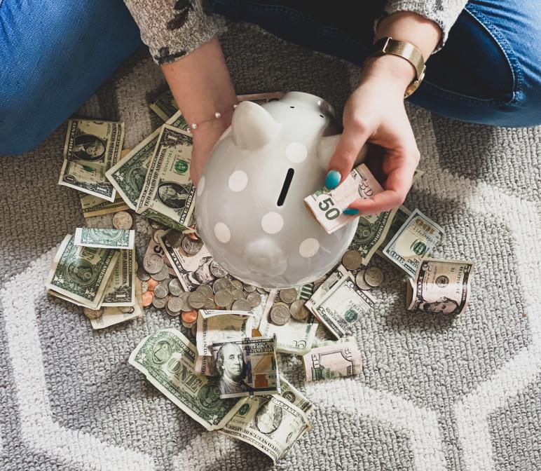emergency fund saving money